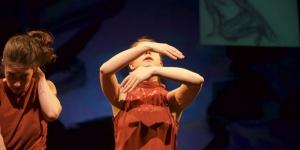 Barbie Performing in Bronwen